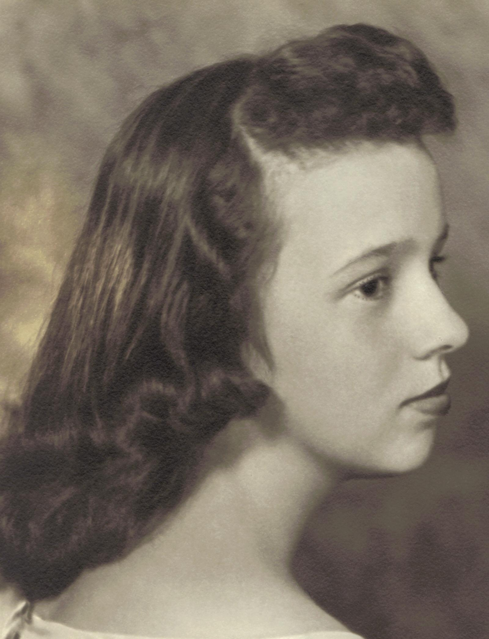 Carver-Govenides, Linda '60